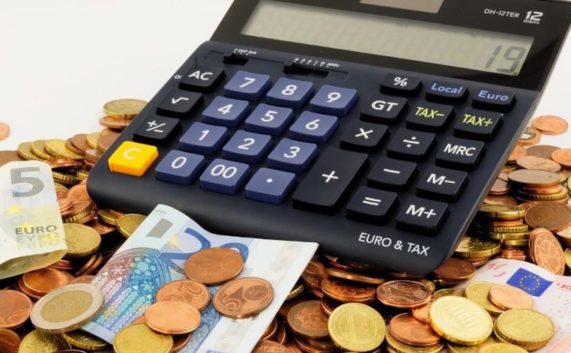 Selon beaucoup d'experts, l'introduction de la taxe bancaire la plus élevée au monde peut entraîner des dégâts importants à l'économie polonaise.